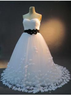 images/201301/small/White-and-Black-Plus-Size-Bridal-Gown-IMG_2317-124-s-1-1358282380.jpg