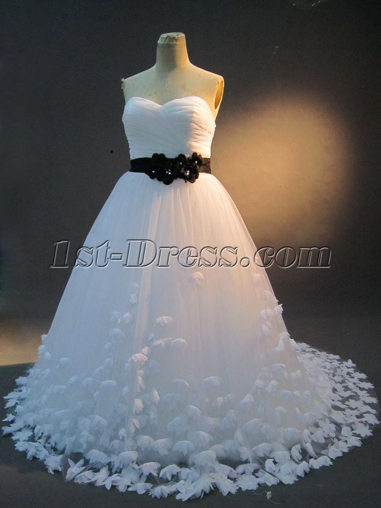 White And Black Plus Size Bridal Gown Img23171st Dress