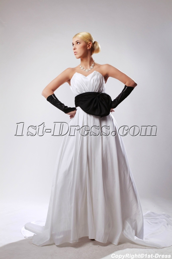 images/201303/big/Elegant-Sweetheart-Ivory-Bridal-Gown-with-Black-Waistband-SOV110025-887-b-1-1364492687.jpg
