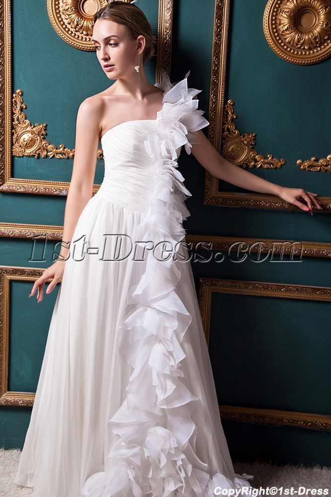 images/201303/big/Ivory-One-Shoulder-Unique-One-Shoulder-Bridal-Gowns-IMG_1347-655-b-1-1363022559.jpg