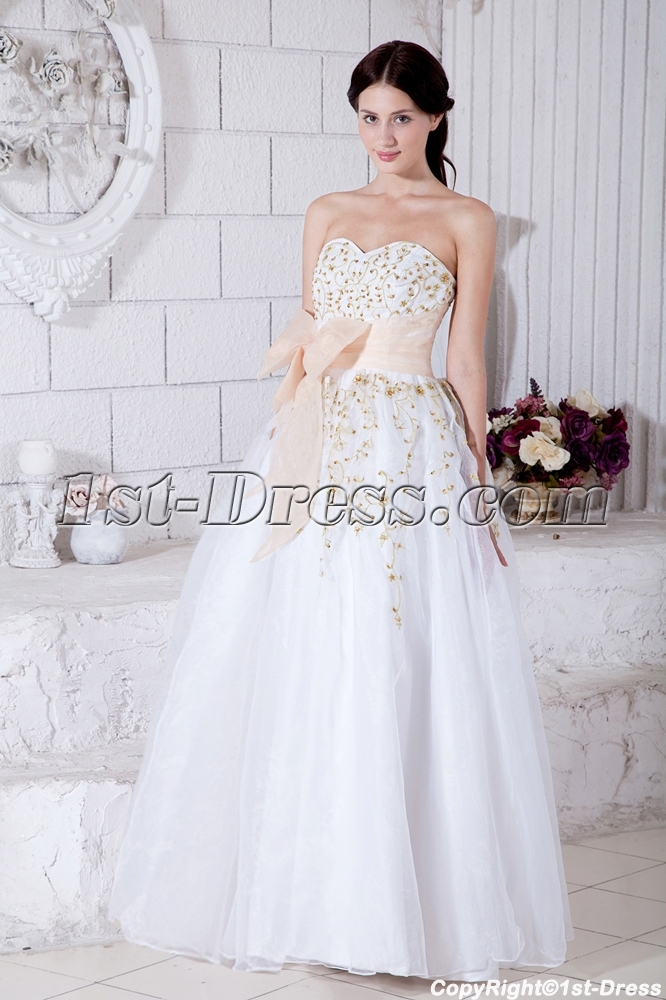 images/201303/big/Sweetheart-Floor-Length-2011-White-Quinceanera-Dress-with-Gold-Embroidery-IMG_7681-799-b-1-1363937752.jpg