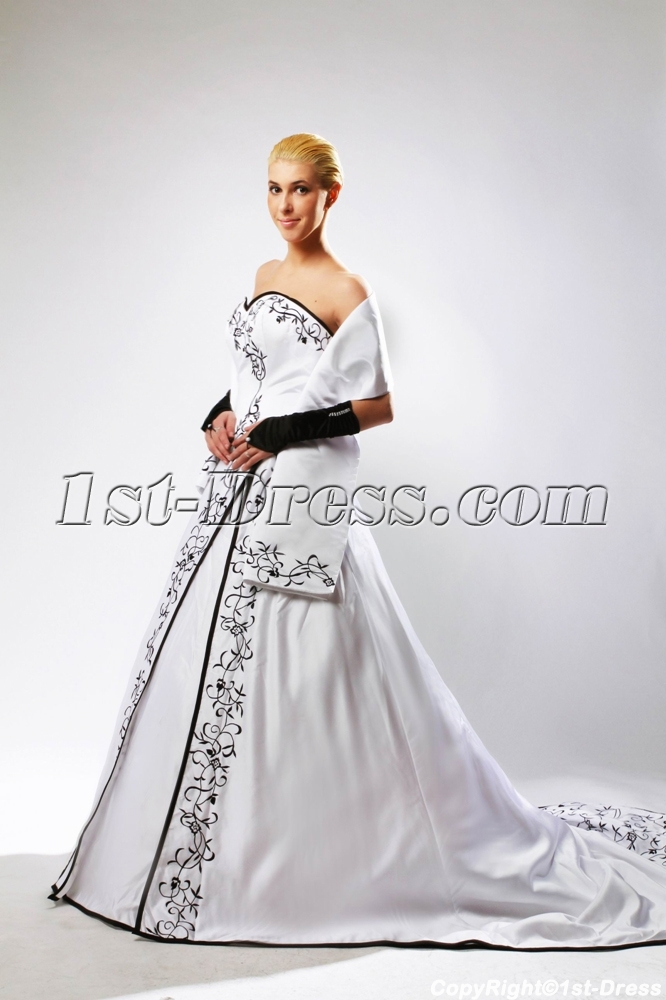 Winter Bridal Gown Black Embroidery with Match Shawl