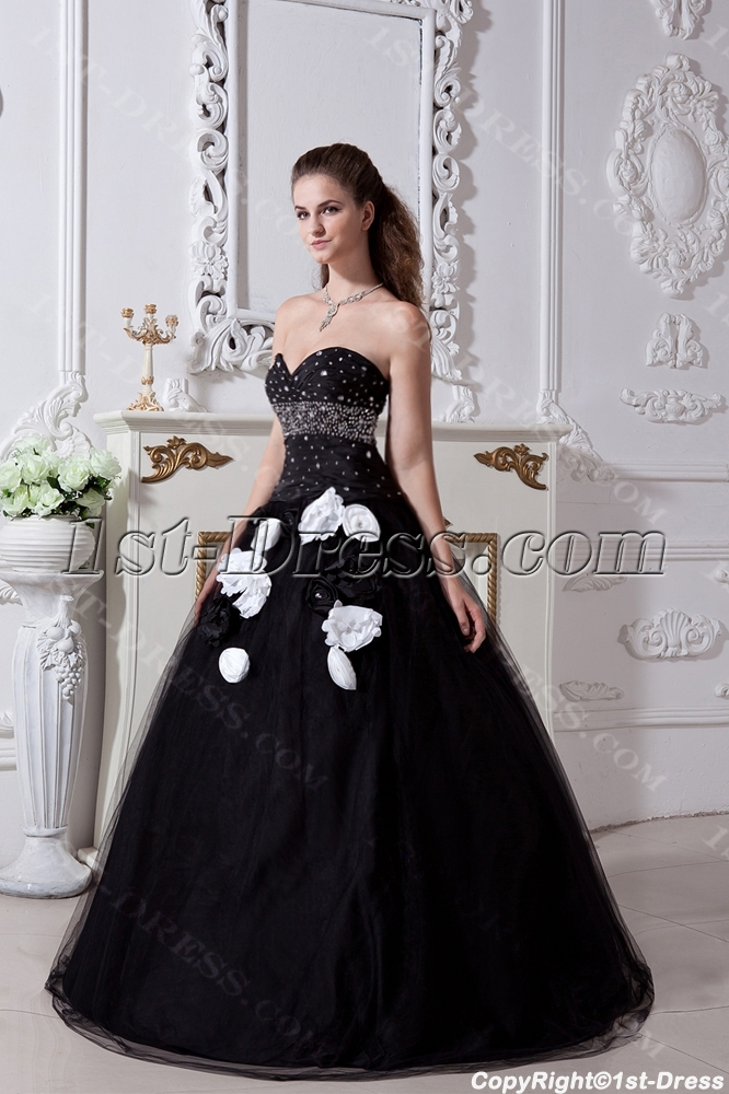 images/201304/big/Black-and-White-Pretty-Quinceanera-Dress-2013-with-Flower-IMG_1848-1001-b-1-1365594876.jpg
