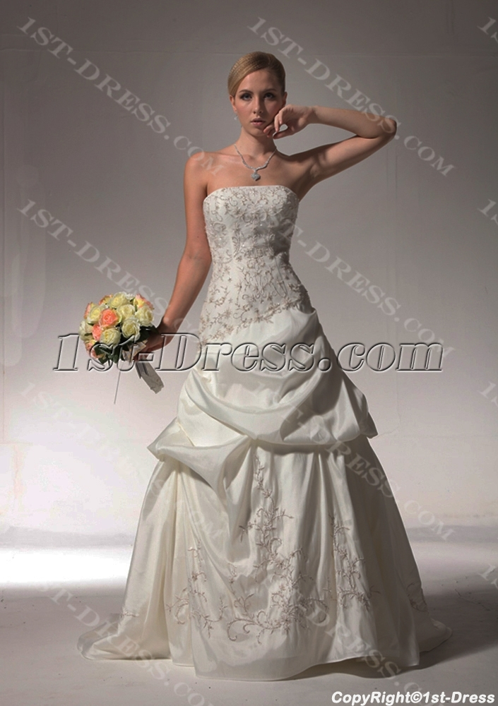 images/201304/big/Embroidery-Pick-up-Romantic-Wedding-Dresses-bdjc890408-909-b-1-1364811937.jpg