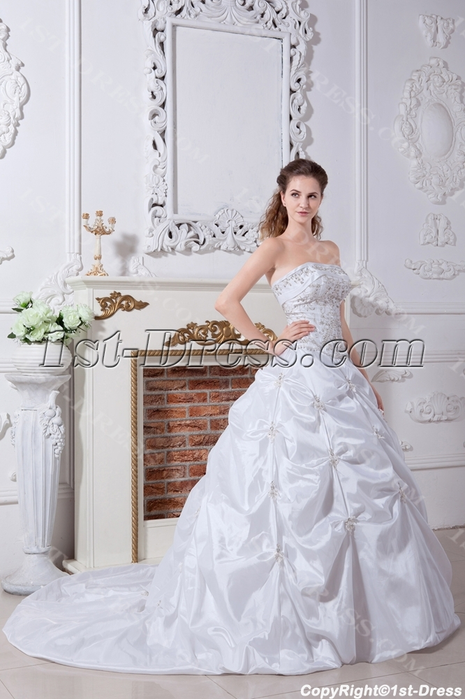 images/201304/big/Embroidery-Princess-Bridal-Gown-for-Petite-Lady-IMG_2229-1031-b-1-1365787357.jpg