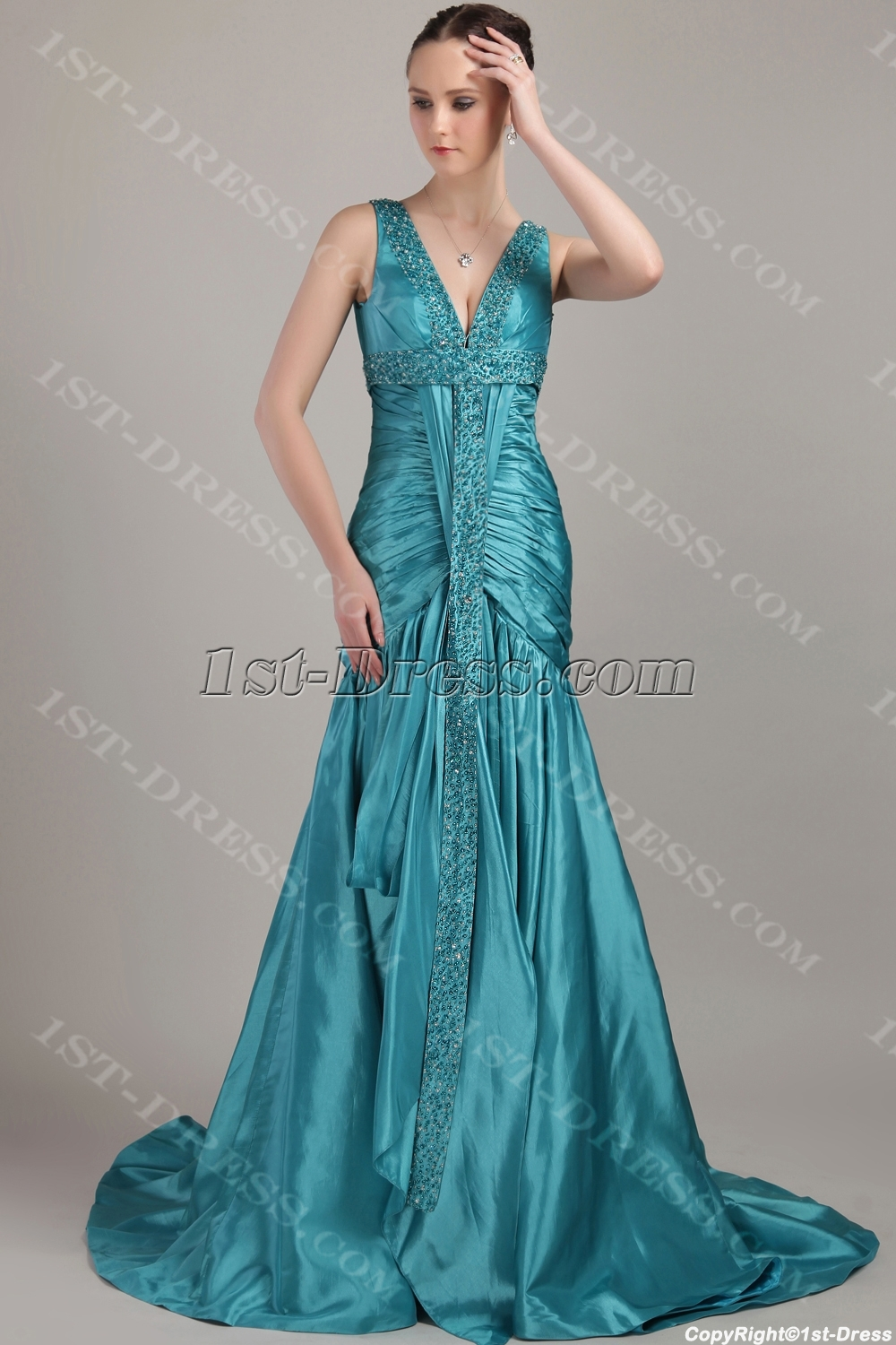 images/201304/big/Hunter-Long-Modest-Plus-Size-Prom-Dresses-IMG_3261-1062-b-1-1366193646.jpg