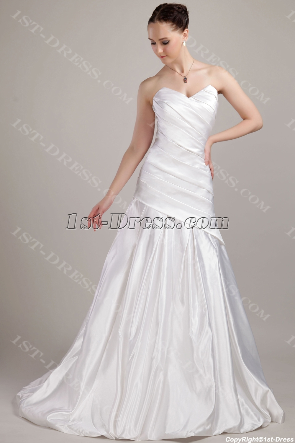 images/201304/big/Simple-Long-Mature-Bridal-Gowns-with-Train-IMG_3095-1080-b-1-1366274304.jpg