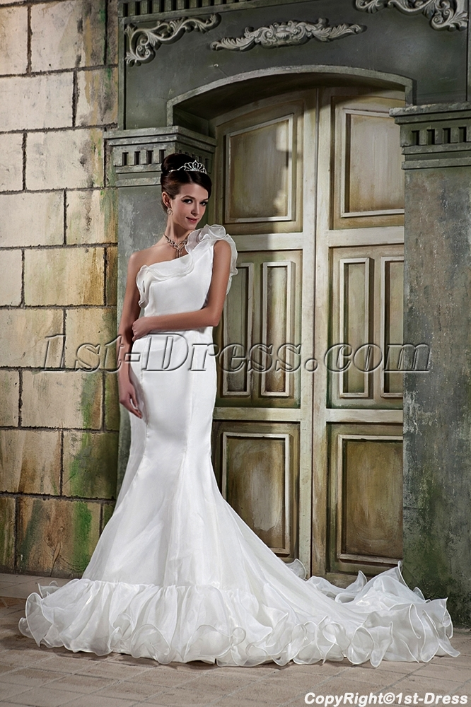 Asymmetrical Neckline Mermaid Bridal Gowns