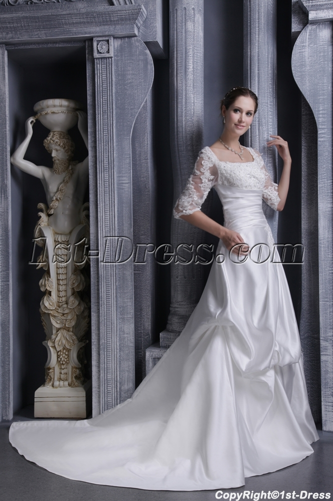 Square Lace Winter Bridal Gown with Long Sleeves