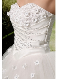 images/201306/small/Ball-Gown-Strapless-Satin-Tulle-Wedding-Dress-With-Embroidery-Beadwork-Flower(s)-2067-s-1-1371842226.jpg