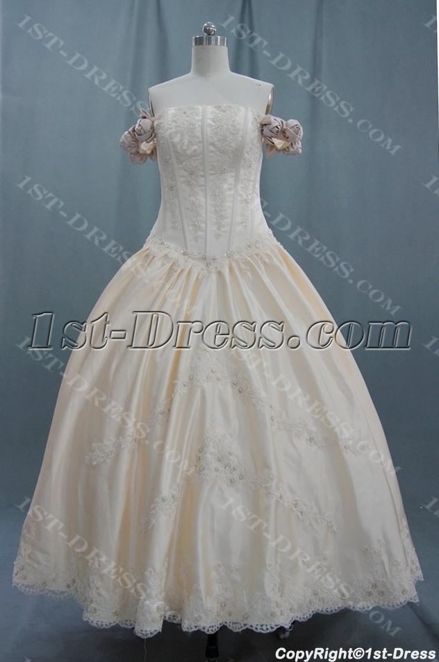 images/201306/big/A-Line-Princess-Halter-Sweetheart-Off-the-Shoulder-Non-Strapless-Satin-Plus-Size-Wedding-Dress-04405-1706-b-1-1370532278.jpg