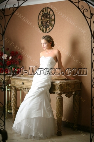 Ivory Casual Wedding Dresses for Outdoor Weddings