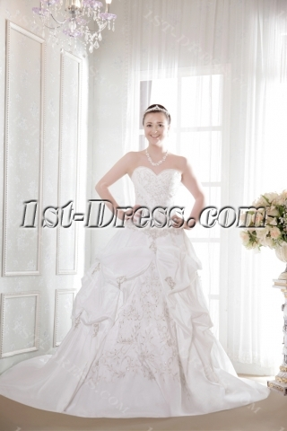 Exquisite Embroidery Fall 2013 Bridal Gown