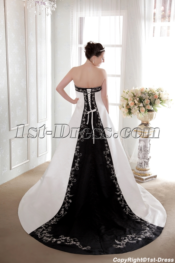 images/201308/big/Ivory-and-Black-Classical-Bridal-Gown-2013-2534-b-1-1375456049.jpg