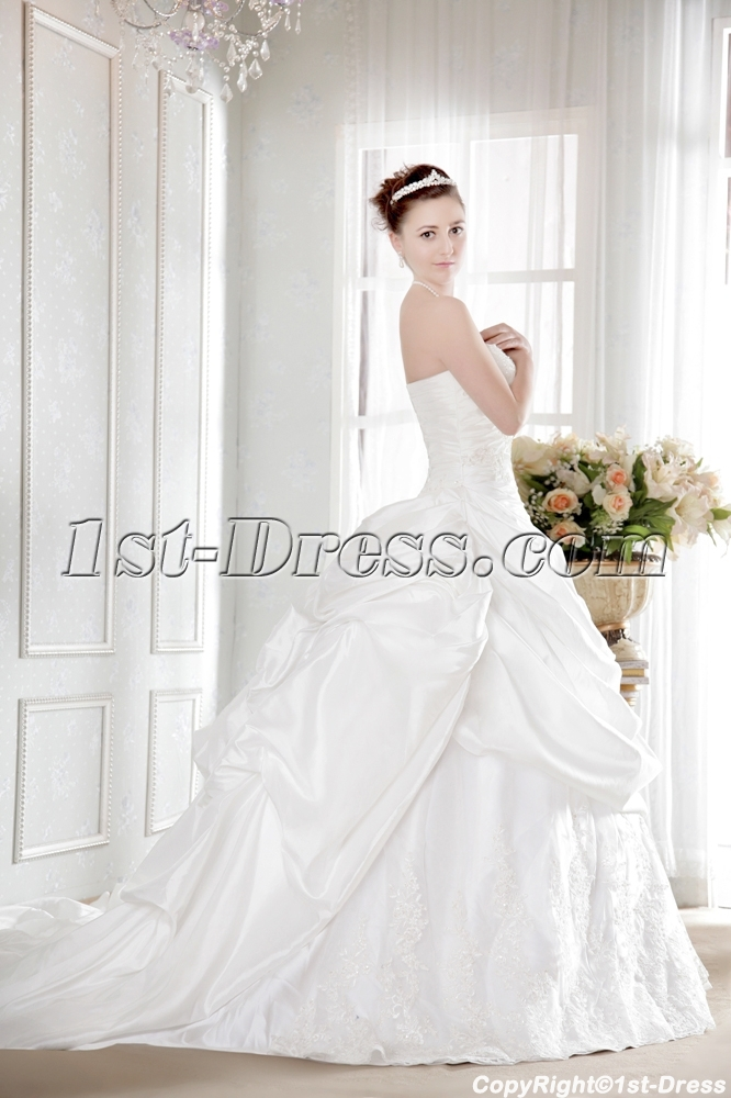 images/201308/big/Pretty-Taffeta-Plus-Size-Bridal-Gown-with-Corset-2519-b-1-1375432884.jpg