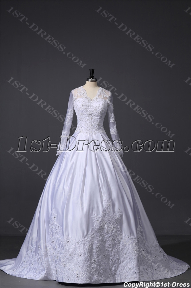 Modest Lace Long Sleeve Wedding Dress With V Neckline 1st