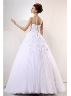White Delicate Long Sweetheart Ball Gown Wedding Dress