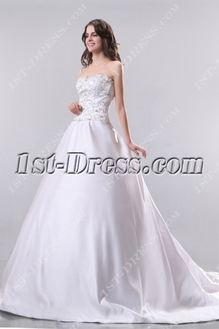 Ivory Embroidery Mature Bridal Gowns with Train in Fall