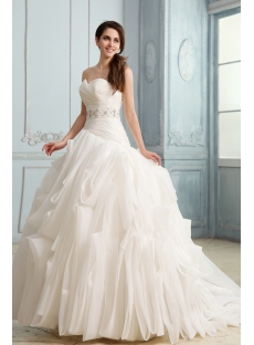 Extravagant Sweetheart Ruffled Wedding Dresses with Long Train