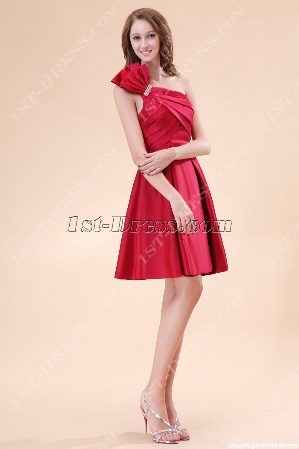 images/201311/big/Lovely-Burgundy-Satin-Short-Homecoming-Dresses-3480-b-1-1384167869.jpg
