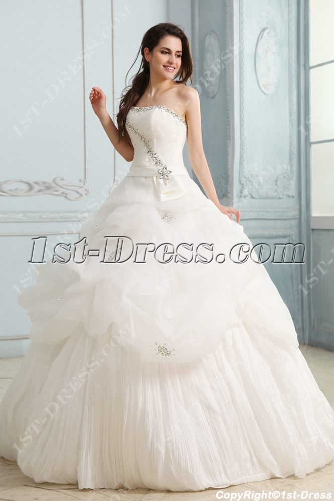 images/201311/big/Luxurious-Pretty-Quinceanera-Dress-with-Train-3333-b-1-1383382081.jpg