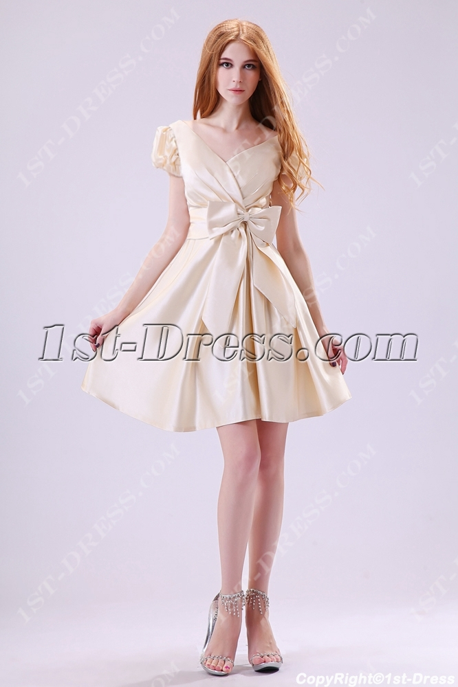 9b525f94757 Modest Champagne Short Sleeves Graduation Dresses 8th Grade 1st ...