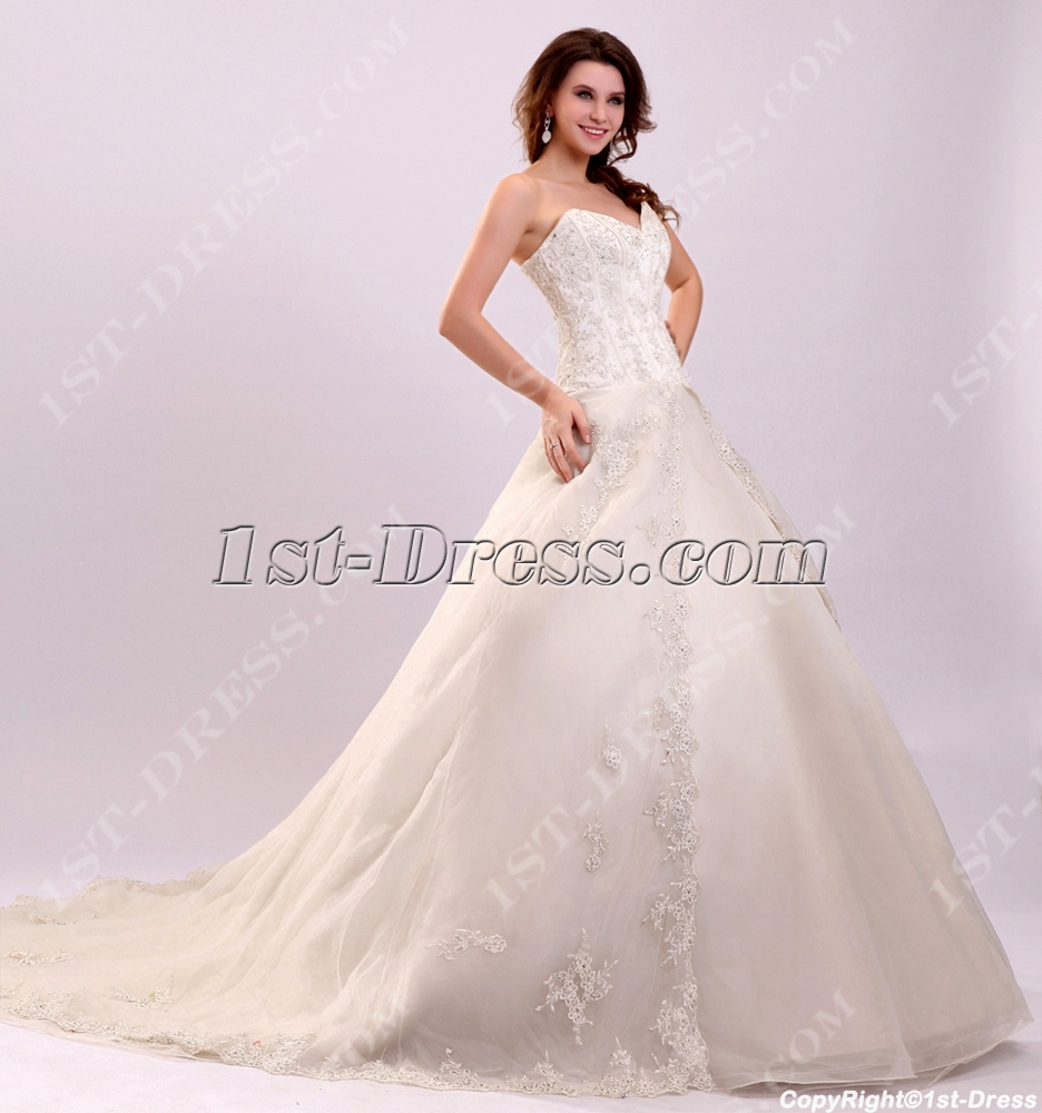 Traditional western basque wedding dress with train 1st for Western wedding dresses for womens