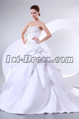 Charming Princess Wedding Dresses Sweetheart Neckline with Embroidery
