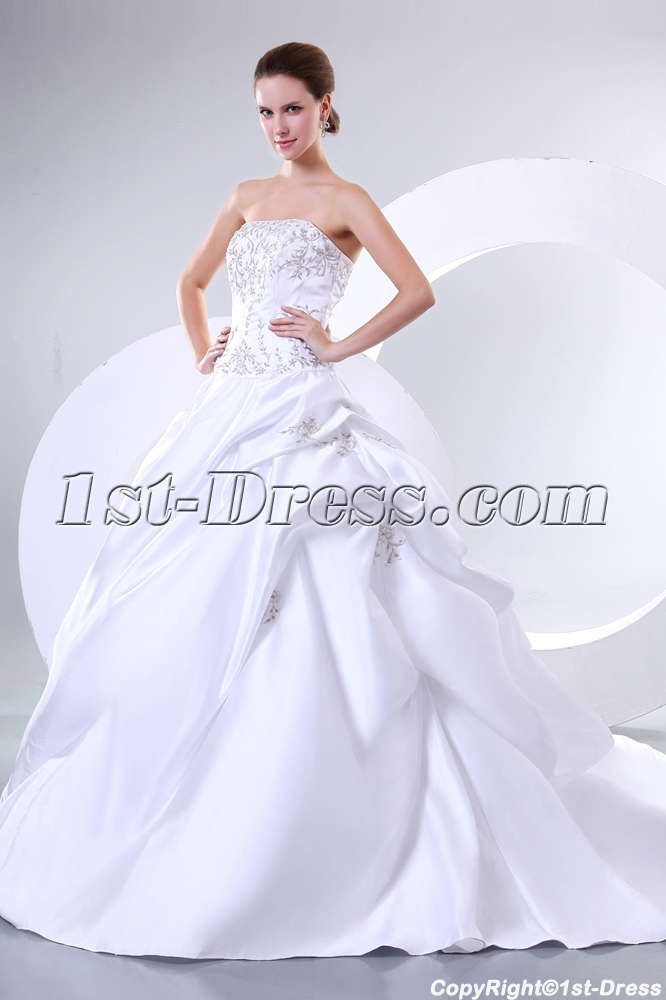 Charming Princess Wedding Dresses Sweetheart Neckline With Embroidery1st Dress