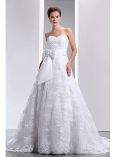 Gorgeous Strapless Sweetheart Lace Wedding Dress with Train