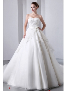 Luxurious Strapless Sweetheart Ball Gown Wedding Dresses