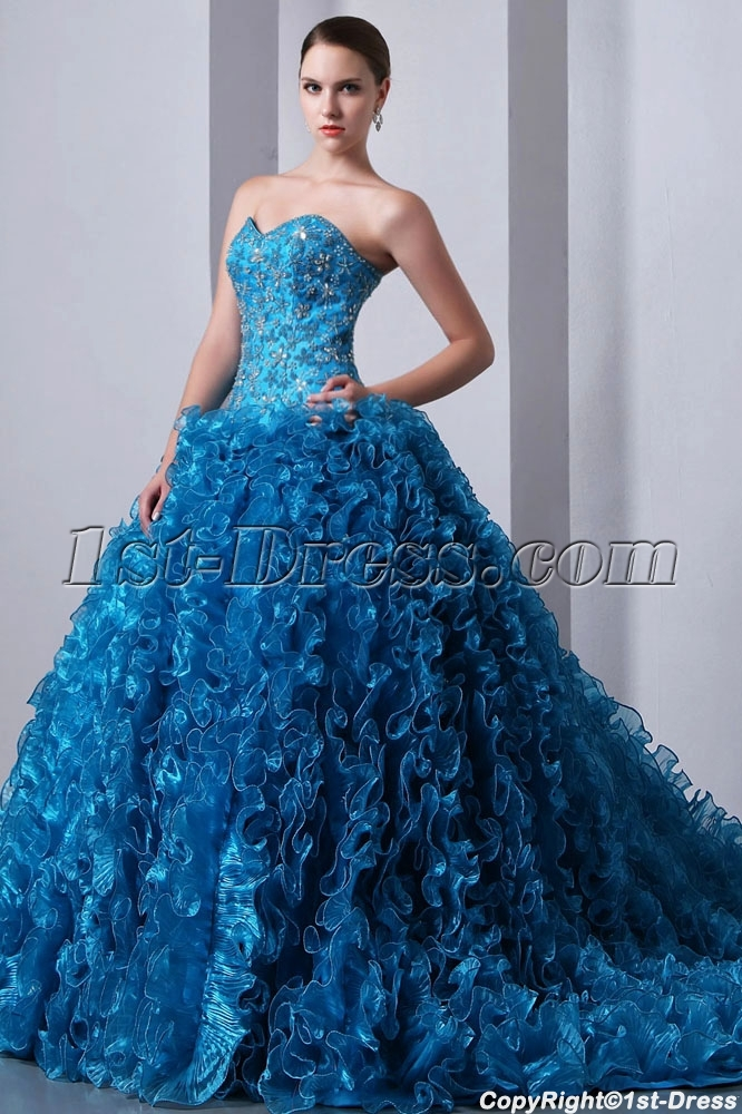 images/201401/big/Luxurious-Beaded-Blue-Sweetheart-Ruffled-Ball-Gown-Quinceanera-Dress-2014-with-Trai-4276-b-1-1390473927.jpg