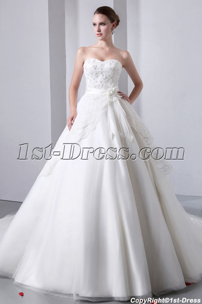 images/201401/big/Luxurious-Strapless-Sweetheart-Ball-Gown-Wedding-Dresses-4274-b-1-1390471851.jpg