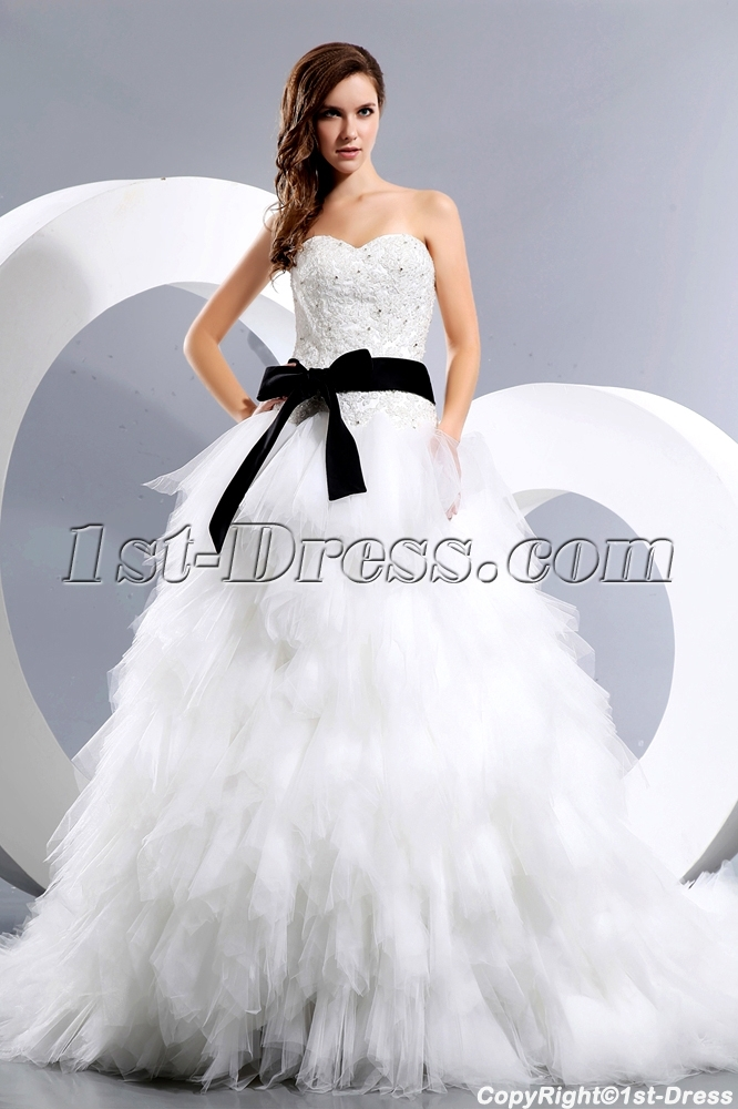 Luxurious Sweetheart Princess Wedding Dress With Black Sash1st