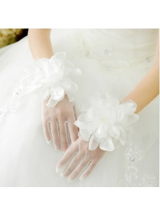 Beautiful Short Flowers Wedding Gloves