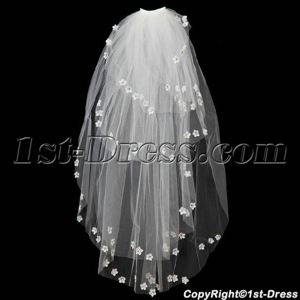 images/201402/big/4-Layers-Wedding-Veil-with-Flowers-4427-b-1-1391697801.jpg