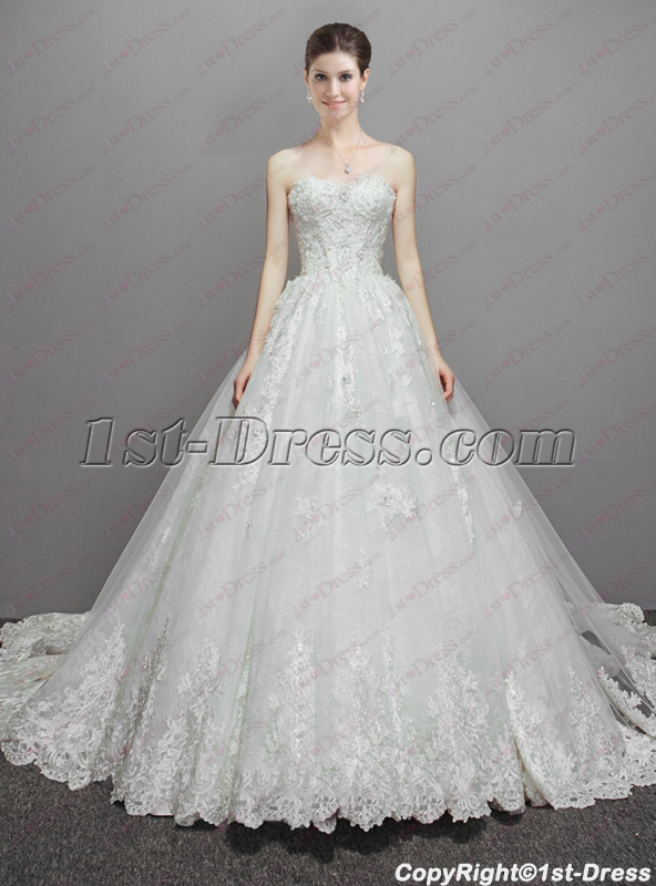 2d0249f04d0 Beautiful brides and flowers that always represent beautiful and beautiful  are always inseparable. The use of flowers in wedding dresses and dresses  is also ...