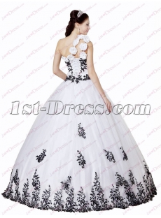 Beautiful Black and White One Shoulder Quinceanera Ball Gowns 2018