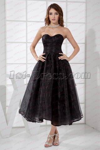 2020 Simple Black Strapless Short Quince Gown